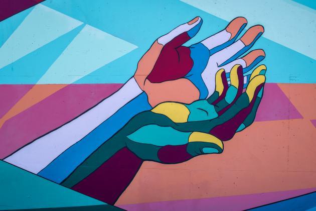 Graffiti mit helfender Hände